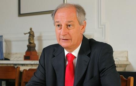 LUIS LARRAIN