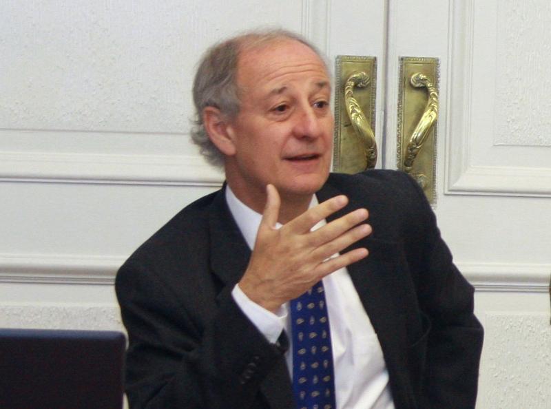 Luis Larrain LL